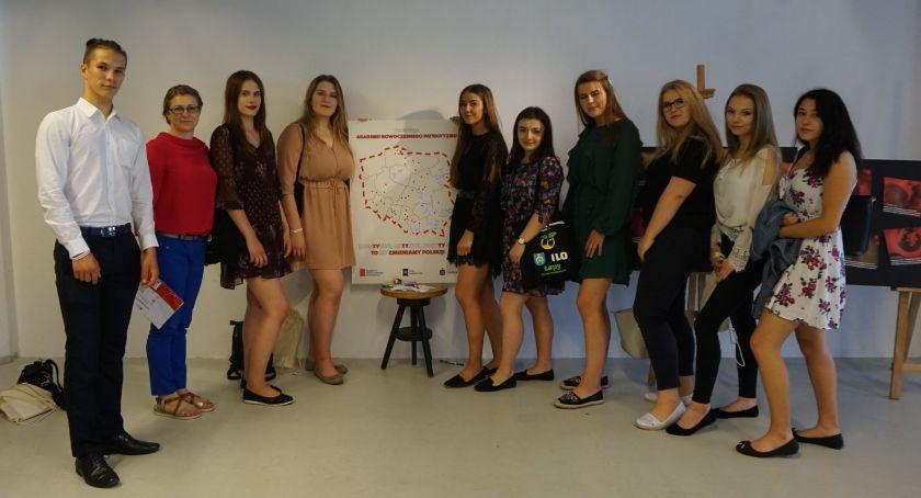 Wiadomości, Licealiści finale konkursu patriotycznego - zdjęcie, fotografia