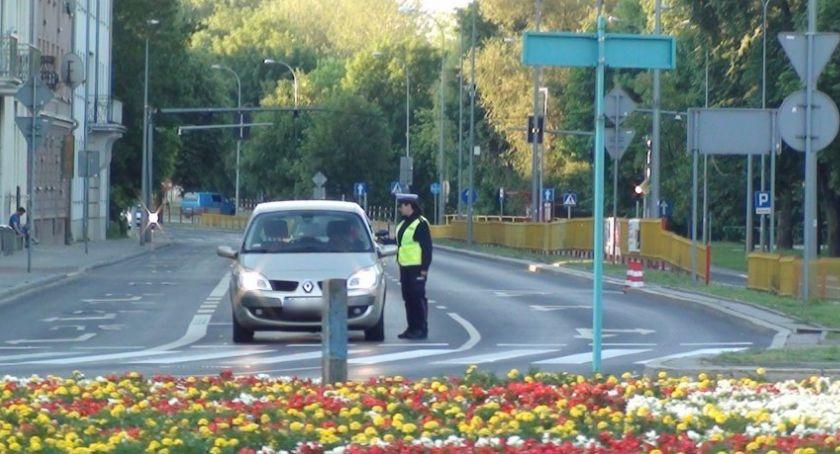 Motoryzacja, Prawie kierowców skontrolowanych kątem trzeźwości - zdjęcie, fotografia