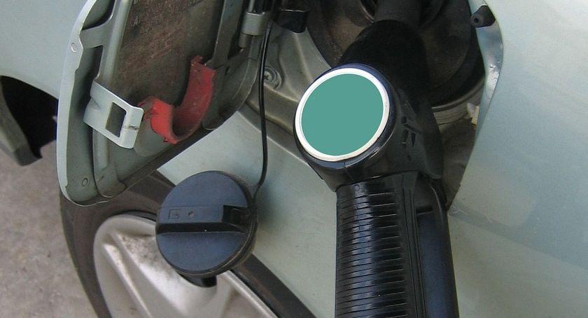 Motoryzacja, Czerwiec niższymi cenami stacjach paliw - zdjęcie, fotografia