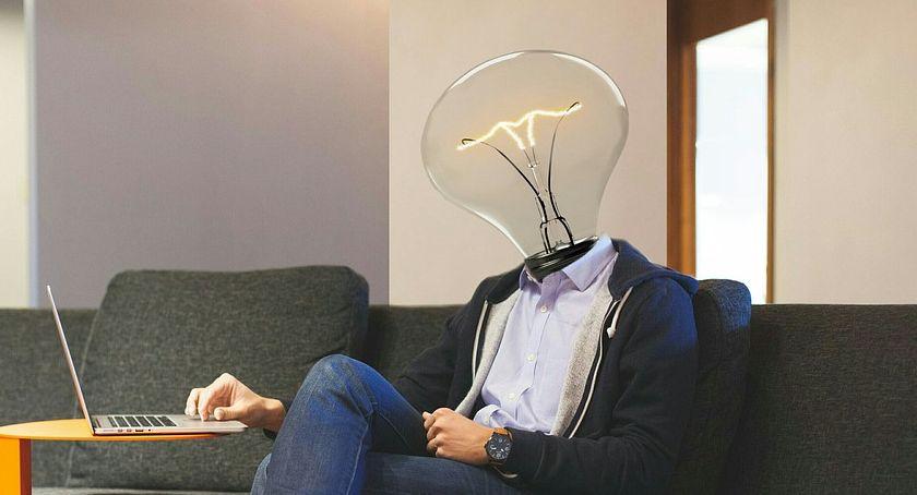 Gospodarka, Warto doceniać innowatorów nadają tempa naszej gospodarce Chwalmy swoich najwięcej - zdjęcie, fotografia