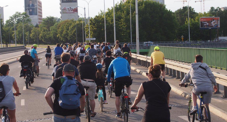 Motoryzacja, Rowerem drogą - zdjęcie, fotografia