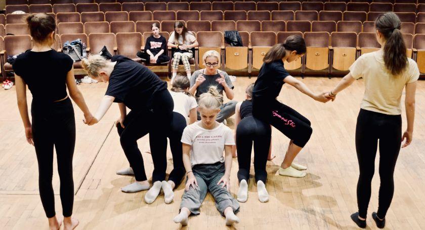 Kultura, Dzieci młodzież Białegostoku biorą balet swoje ręce - zdjęcie, fotografia