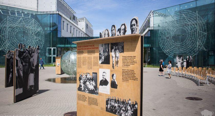 Kultura, Aktywne kobiety można poznać wystawie kampusie - zdjęcie, fotografia