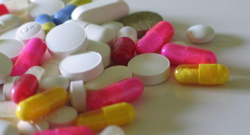 Gospodarka, Stowarzyszenie Pracodawców obawia dostępność leków - zdjęcie, fotografia