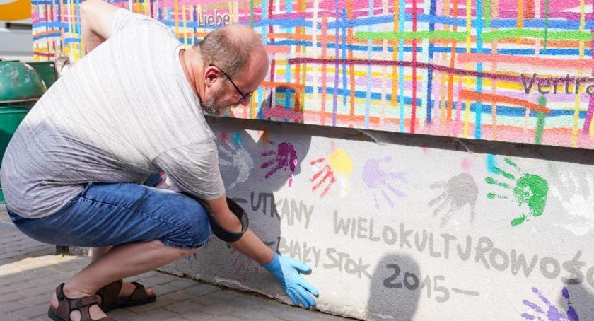 Wiadomości, Mural drugi musiał zostać odnowiony - zdjęcie, fotografia