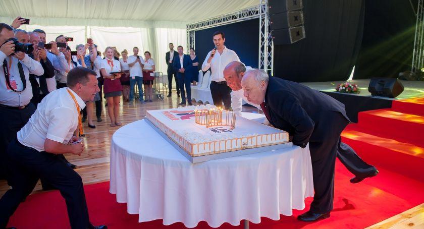 Gospodarka, Wielka okazji urodzin Pronaru planują obroty poziomie miliarda - zdjęcie, fotografia
