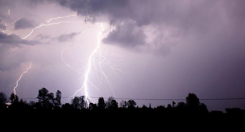 Wiadomości, Łomotnie deszczem gradem - zdjęcie, fotografia