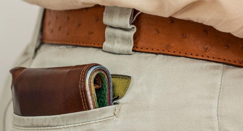 Styl życia, Polacy uczciwi Zwracają znalezione portfele - zdjęcie, fotografia