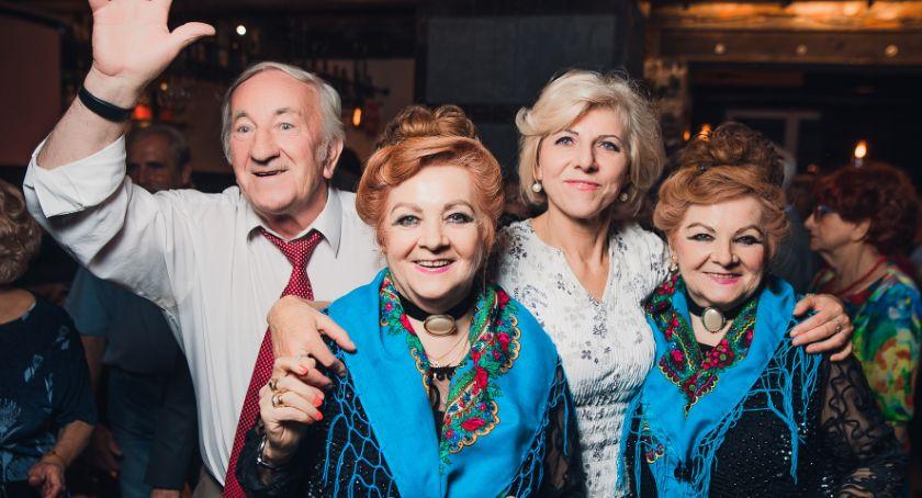 Kultura, Piątek dancingiem między pokoleniowym - zdjęcie, fotografia
