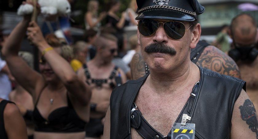 Wiadomości, potrzeby lesbijki informowali swoich preferencjach seksualnych przypadkowe osoby - zdjęcie, fotografia
