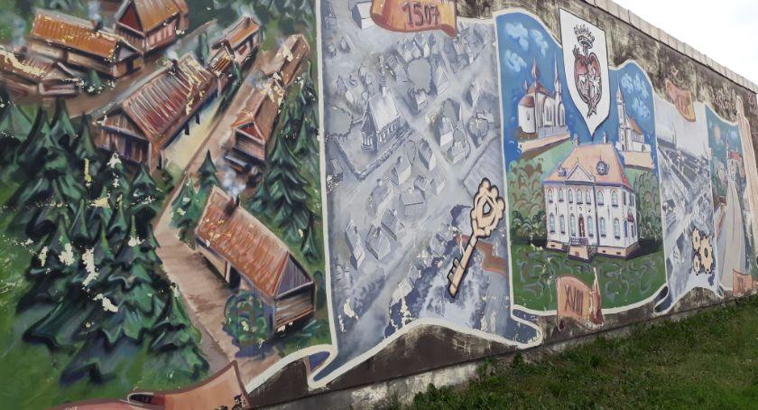 Kultura, Historyczny mural Choroszczy odnawiany - zdjęcie, fotografia