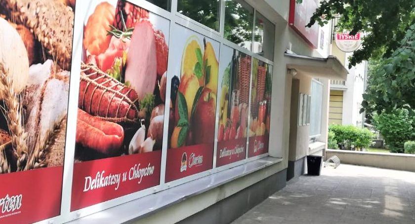 Lokalny biznes, Kolejny sklep Grupie Chorten razem Wesołej - zdjęcie, fotografia