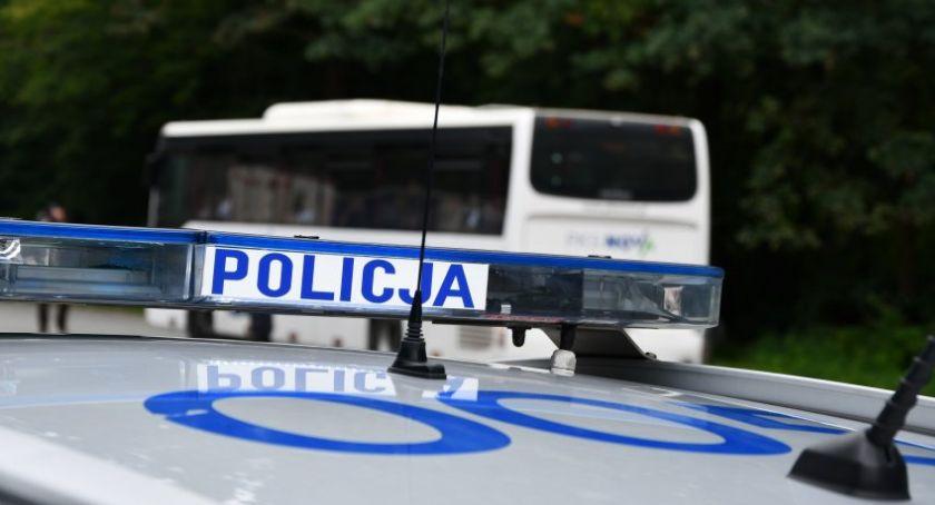 Motoryzacja, Policja nieustannie łapie wsiadają kierownicę uprawnień - zdjęcie, fotografia