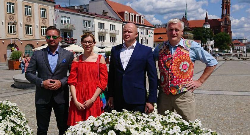Wiadomości, Wiosna idzie wyborów partią Razem liderem Podlasiu - zdjęcie, fotografia