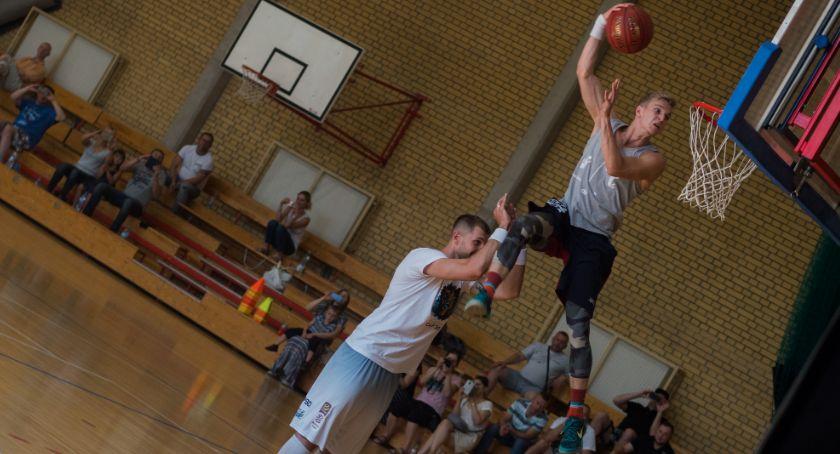 Sport, Białostoccy koszykarze trenowali Krzysztofem Sulimą - zdjęcie, fotografia