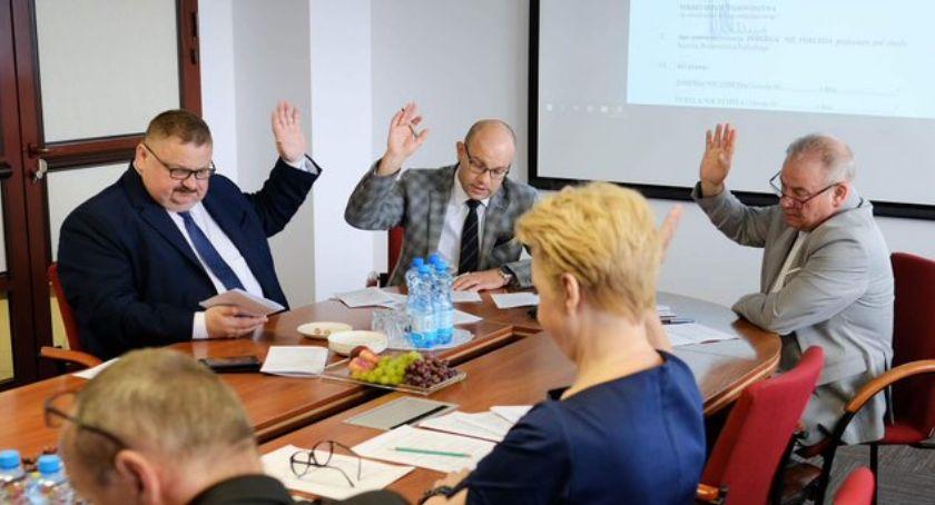 Wiadomości, Uczniowie szkół zawodowych będą mogli podnieść kompetencje dzięki wsparciu samorządu województwa - zdjęcie, fotografia