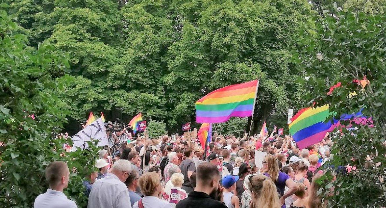 Wiadomości, Uczestnicy marsz straszny Najgorsze było potem - zdjęcie, fotografia