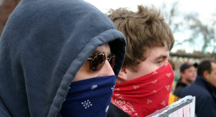 Wiadomości, Mityczna Antifa niczym jednorożec Widzą gdzie - zdjęcie, fotografia