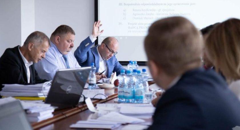 Gospodarka, Zarząd województwa podlaskiego przekazał ponad złotych badania rozwojowe - zdjęcie, fotografia