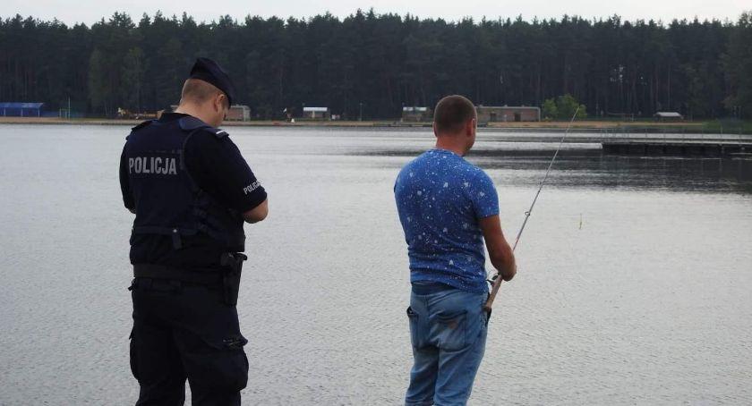 Wiadomości, Policjanci prowadzili działania prewencyjne wodą - zdjęcie, fotografia