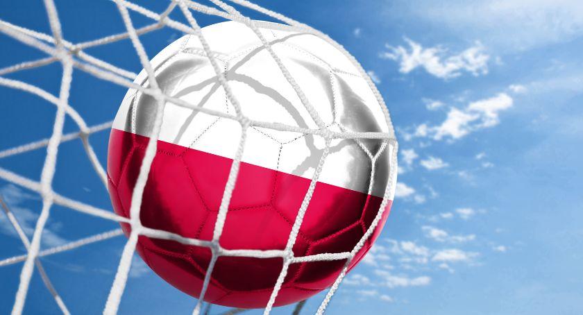 Sport, Spadek Polski rankingu bukmacherzy oceniają szanse naszej reprezentacji kolejnych meczach eliminacyjnych - zdjęcie, fotografia
