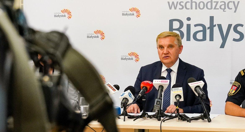 Wiadomości, Sypią pozwy sądowe przeciwko Tadeuszowi Truskolaskiemu - zdjęcie, fotografia