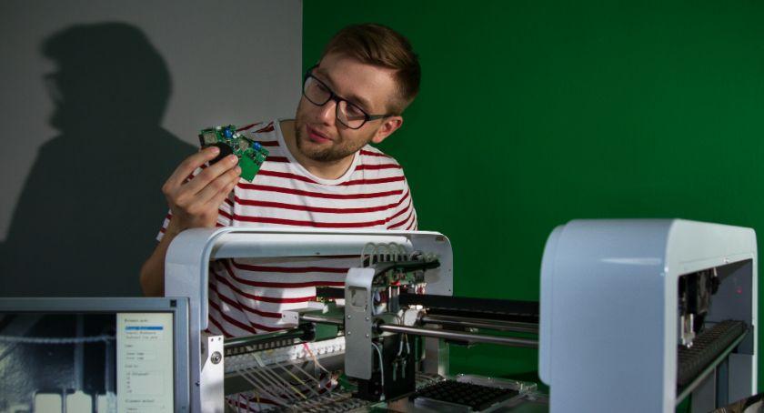 Lokalny biznes, Innowacyjna elektronika powstaje Białymstoku - zdjęcie, fotografia