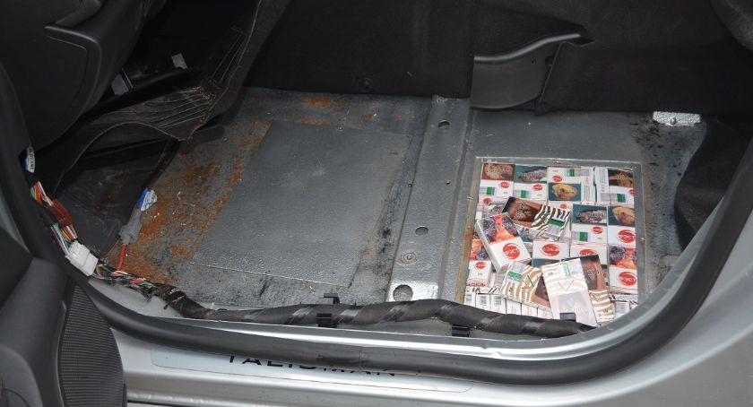 Wiadomości, Stracił papierosy samochód - zdjęcie, fotografia