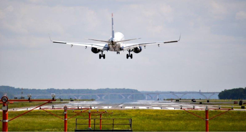 Polityka, przeloty samoloty Białystok wolny polityków podróżników - zdjęcie, fotografia