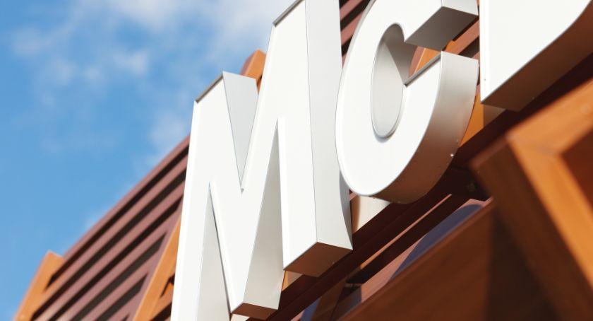Lokalny biznes, Augustowie tygodnia działa pierwszy mieście McDonald's - zdjęcie, fotografia