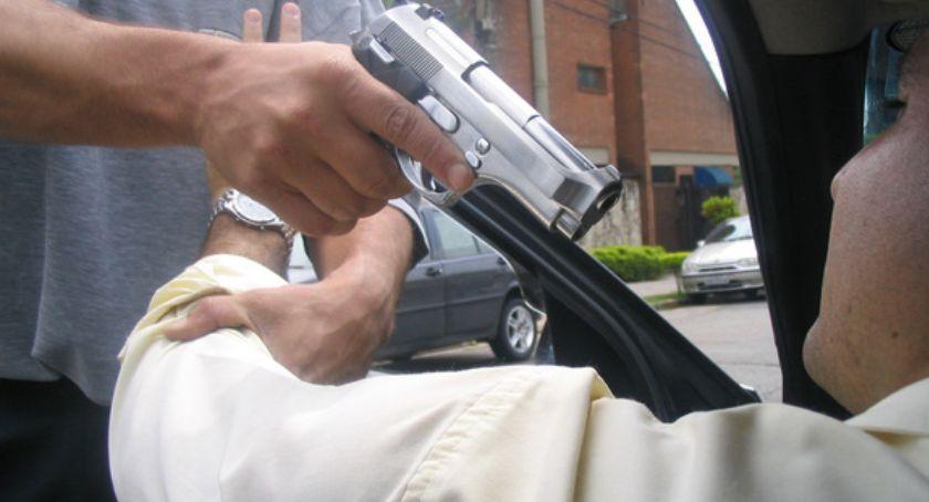 Wiadomości, Kłótnia drodze zakończyła postrzeleniem jednego kierowców - zdjęcie, fotografia