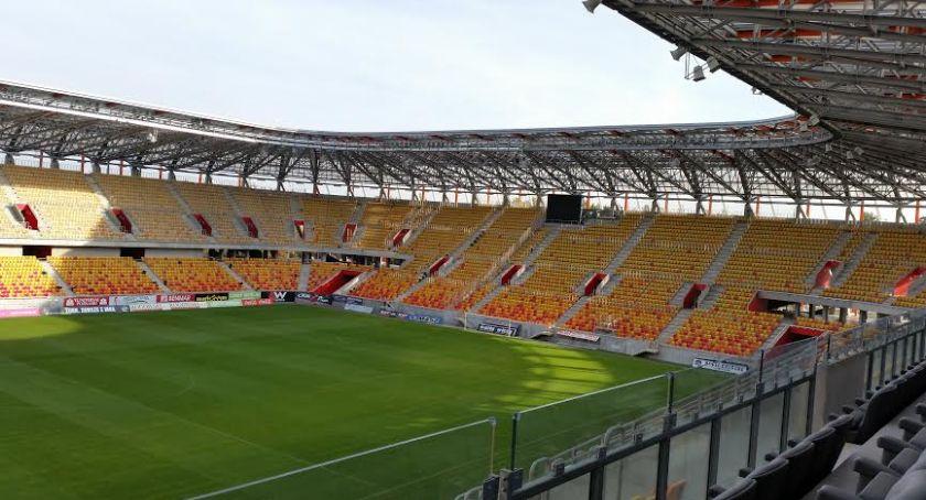 Wiadomości, Głosowanie zielony przystanek patrona Stadionu Miejskiego tylko jutra - zdjęcie, fotografia