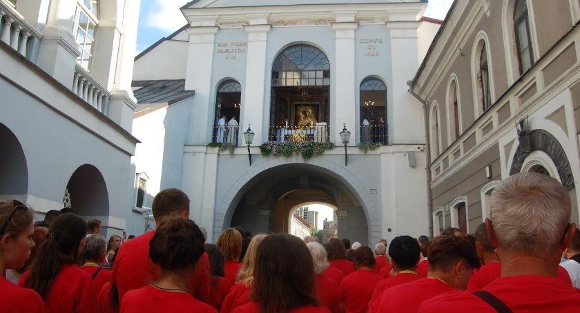 Wiadomości, Pielgrzymi Białegostoku dotarli Ostrej Bramy - zdjęcie, fotografia