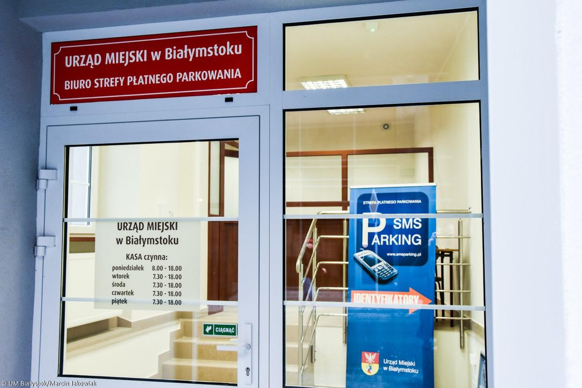 Wiadomości, Białymstoku opłaty płatnej strefie parkowania były pobierane bezprawnie - zdjęcie, fotografia