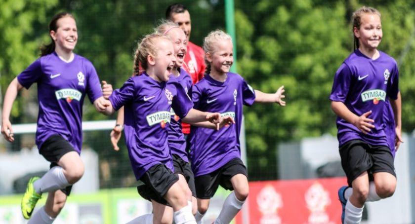 Piłka nożna, Zgłoszenia drużyn turnieju Puchar Tymbarku tylko września - zdjęcie, fotografia