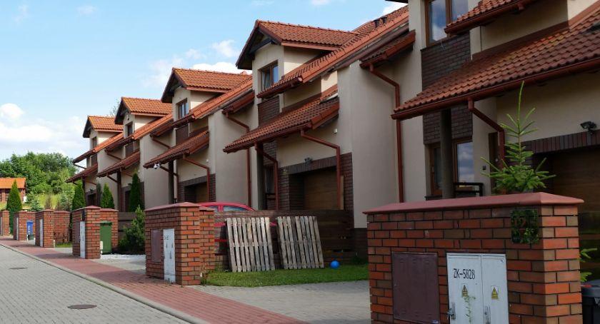 Wiadomości, Polacy chcą mieszkać domach jednorodzinnych blokach - zdjęcie, fotografia