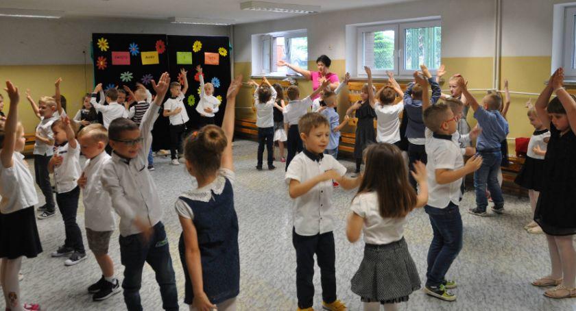 Wiadomości, Dofinansowanie potrzebne szkole Michałowie - zdjęcie, fotografia