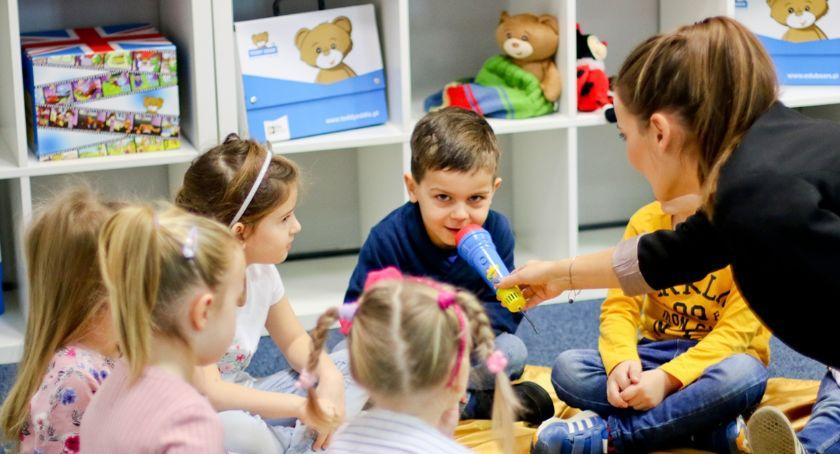 Styl życia, Języka angielskiego warto uczyć najmłodszych Nawet misiem - zdjęcie, fotografia