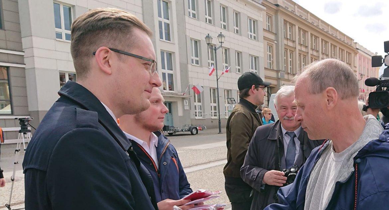 Polityka, Spadochroniarze Mieszkają Warszawie Lubinie chcą reprezentować Podlasian - zdjęcie, fotografia