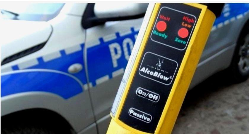 Motoryzacja, Jeden weekend dziewięciu zatrzymanych kierowców podwójnym gazie - zdjęcie, fotografia