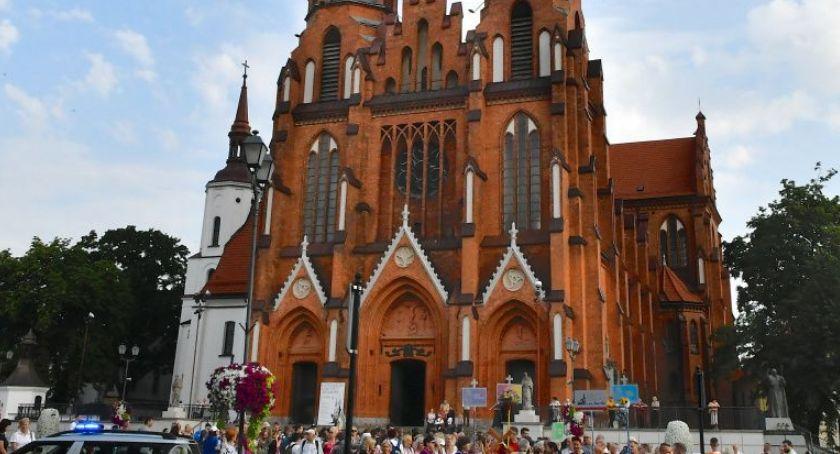 Polityka, Metropolita Białostocki miał prawo napisać odezwę wiernych - zdjęcie, fotografia