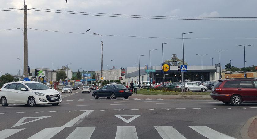 Motoryzacja, Tłok zrobił Bitwy Białostockiej - zdjęcie, fotografia