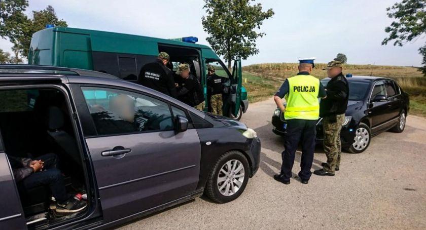 """Wiadomości, Policyjna grupa """"speed"""" zatrzymała cudzoziemców - zdjęcie, fotografia"""
