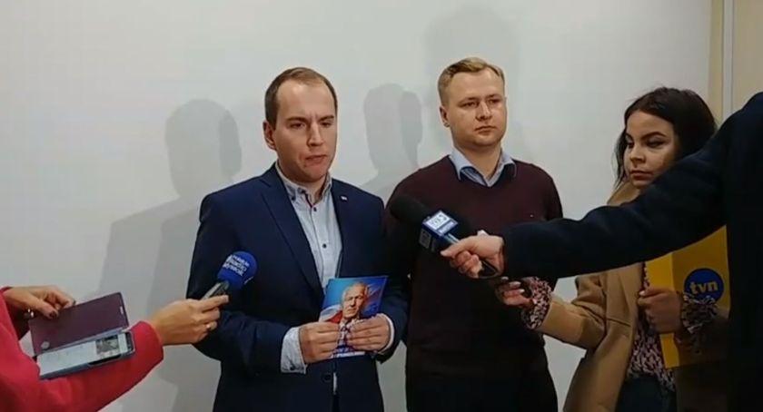 Polityka, Andruszkiewicz podziękował pomoc kampanii Kornela Morawieckiego - zdjęcie, fotografia