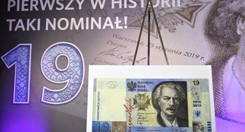 Gospodarka, obiegu banknot nominale złotych - zdjęcie, fotografia