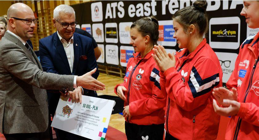 Sport, Tenisistki Białystok promują dobrze województwo więc dostały wsparcie - zdjęcie, fotografia