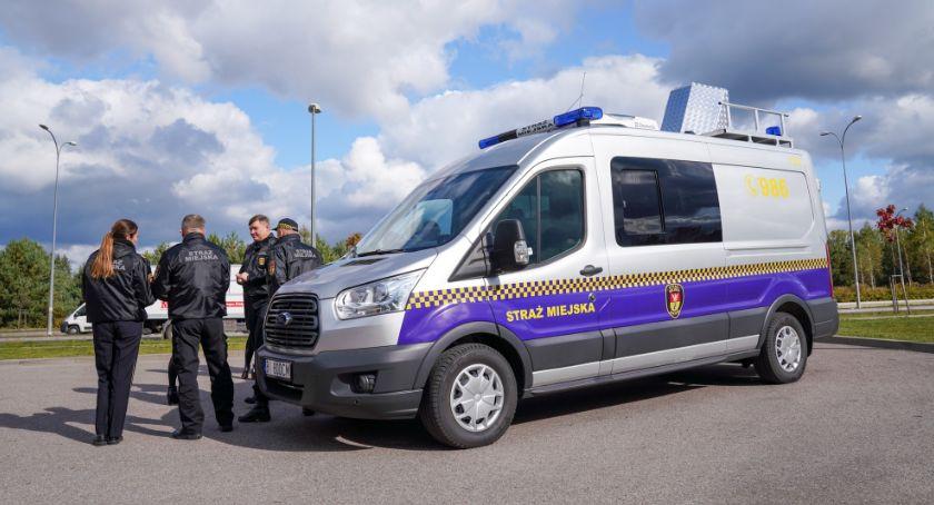 Wiadomości, Strażnicy miejscy będą badać specjalnego samochodu - zdjęcie, fotografia