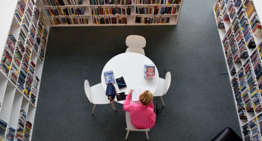 Kultura, Propozycje książek można zgłaszać Książnicy tylko końca miesiąca - zdjęcie, fotografia