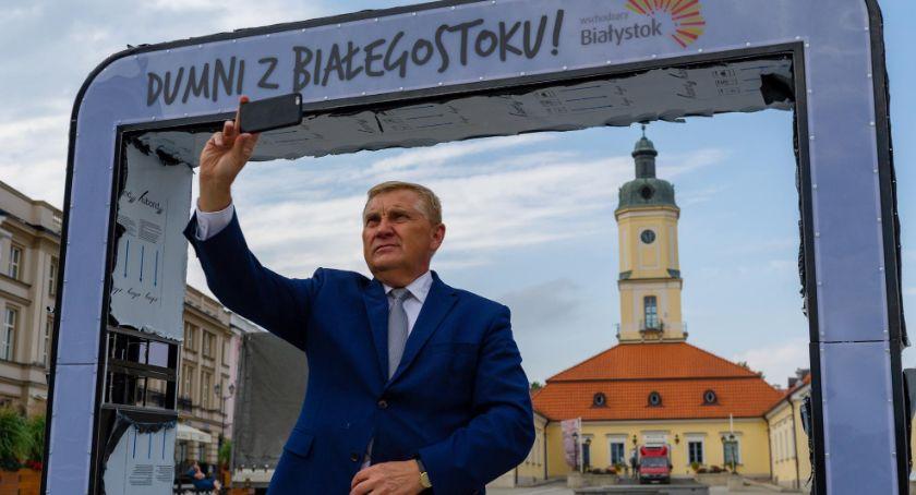 Polityka, Tadeusz Truskolaski ostrej krytyce internautów - zdjęcie, fotografia