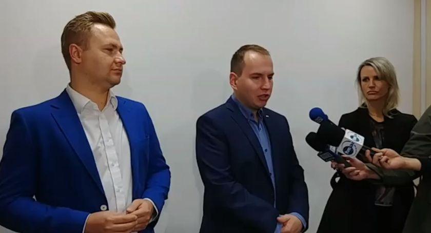 Polityka, Andruszkiewicz podziękował wyborcom zapowiada serię spotkań otwartych - zdjęcie, fotografia